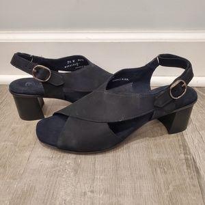 NEW Munro American Laine Black Suede Sandals